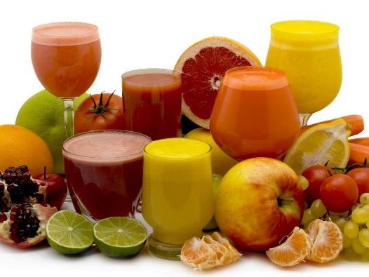 Nước ép tốt hay sinh tố, nên uống loại nào?