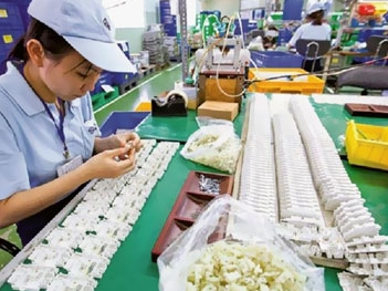 Vượt dự báo, FDI vào Việt Nam 10 tháng đã trên 28 tỷ USD
