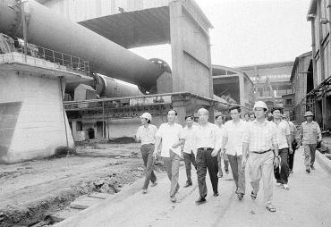 Nguyên Tổng Bí thư Đỗ Mười: Luôn đau đáu về đời sống công nhân