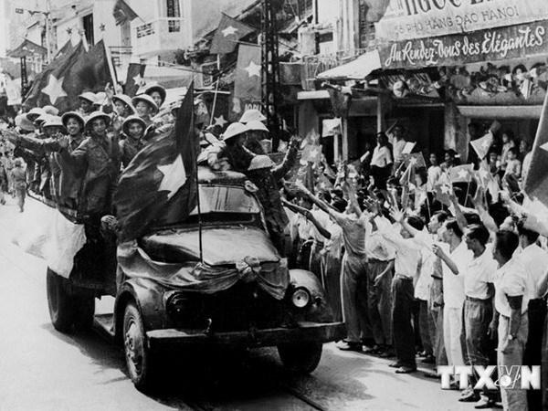 Sống lại không khí hào hùng ngày tiếp quản Thủ đô năm 1954