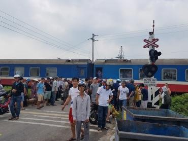 Người đàn ông thiệt mạng khi cố vượt qua tàu hỏa