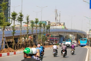 Hà Nội: Phân luồng giao thông nút giao cầu vượt An Dương - Thanh Niên