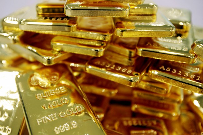 Giá vàng trong nước cao hơn thế giới gần 3 triệu đồng/lượng