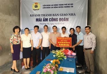 LĐLĐ huyện Thường Tín:  Trao kinh phí hỗ trợ Mái ấm công đoàn