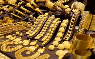 Giá vàng tiếp tục giảm do đồng USD tăng cao