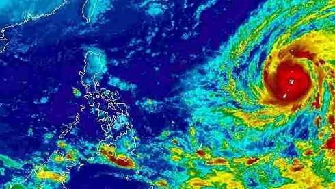 Siêu bão Yutu sau khi hoành hành Philippines tiến thẳng Biển Đông, không khí lạnh tiếp tục 'gõ cửa' miền Bắc
