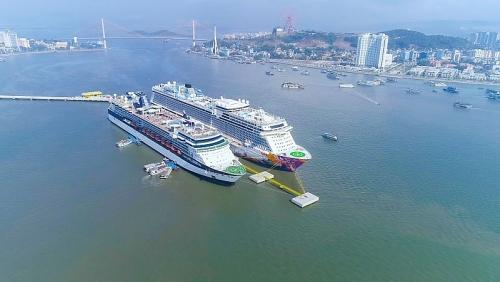 Du lịch tàu biển Hạ Long: tăng tốc khai thác dịch vụ trên bờ