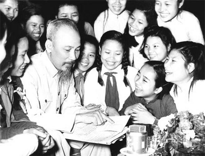 65 năm vang vọng Lời kêu gọi của Bác Hồ kính yêu