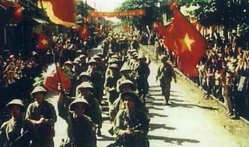 Những dấu ấn 65 năm mùa Thu cách mạng