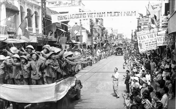 Công nhân, công đoàn Hà Nội: Góp phần cho việc tiếp quản Thủ đô thắng lợi