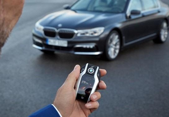 Hãy sử dụng chìa khóa thông minh xe ô tô tiện lợi (Ảnh: Carmudi)