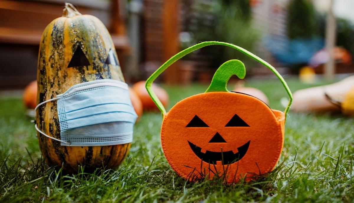 Diễn ra trong bối cảnh dịch Covid-19 vẫn diễn biến phức tạp, tổ chức một lễ Halloween vui vẻ nhưng phải an toàn, đảm bảo đủ giãn cách xã hội là điều mà nhiều quốc gia đang kêu gọi. Ảnh: KT