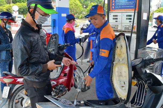 Giá xăng, dầu nhiều khả năng giữ nguyên vào chiều mai