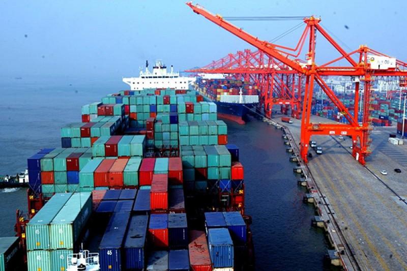 Vận chuyển container bằng đường biển phải niêm yết giá