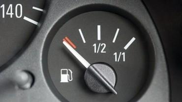 Ôtô đi được bao xa khi kim xăng báo hết