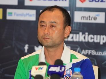 HLV Campuchia chê tuyển Việt Nam chơi không ổn định