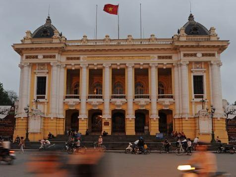 Trải nghiệm Hà Nội về đêm qua con mắt du khách nước ngoài