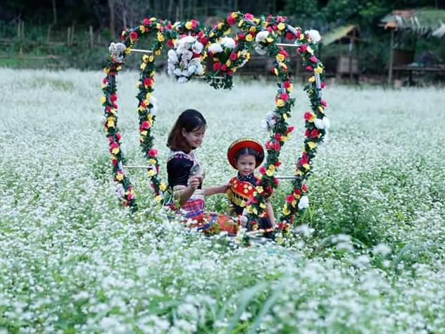 'Lịm tim' giữa thung lũng hoa Bắc Sơn bồng bềnh ở xứ Lạng