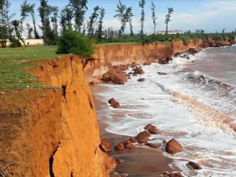 Biển xâm thực, ngàn hộ dân lo mất đất sản xuất