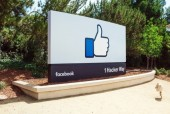 Thấp thỏm vì có thể không còn Facebook, Google...