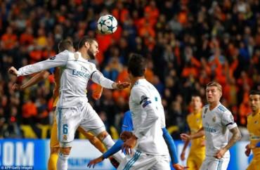 Hủy diệt APOEL, Real Madrid ghi tên mình vào vòng 1/8 Champions League
