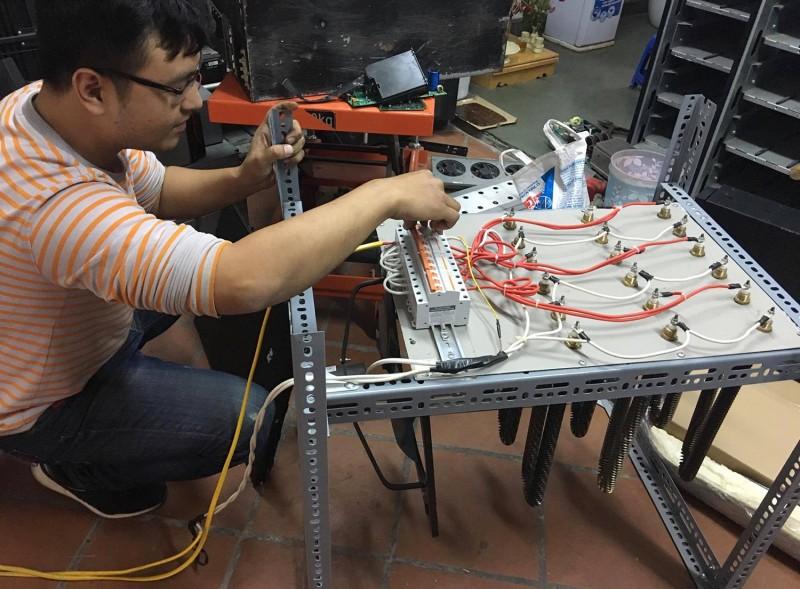 Thợ điện, cơ khí, hàn: Không lo hết việc