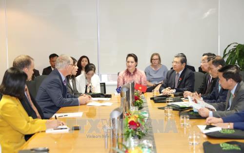 Chủ tịch Quốc hội thăm cơ quan nghiên cứu khoa học lớn nhất Australia