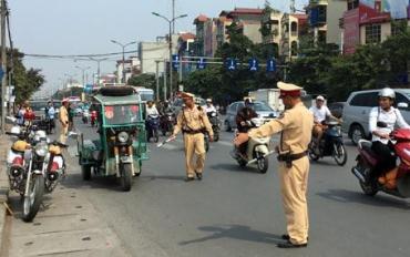 CSGT có được phép dừng xe đi đúng luật?