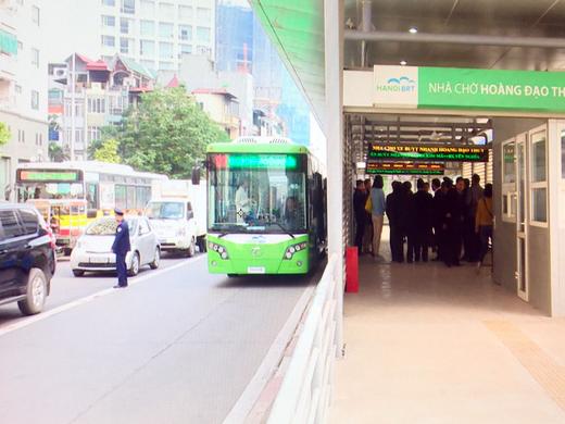 Hà Nội: Xe buýt nhanh chính thức hoạt động từ 1/1/2017