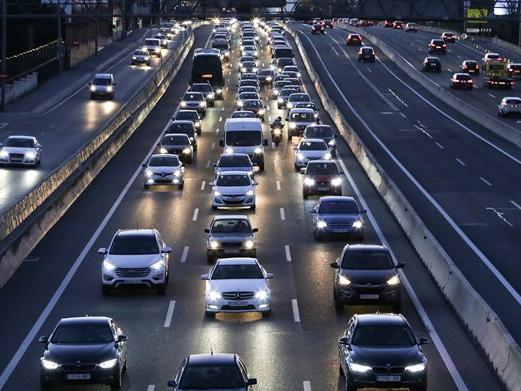 Madrid cấm ôtô cá nhân theo ngày để tránh ô nhiễm không khí