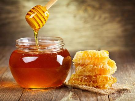 Điều gì sẽ xảy ra khi uống mật ong vào buổi sáng?