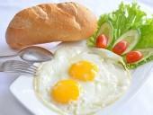 Nhiều tác dụng lạ của việc ăn sáng
