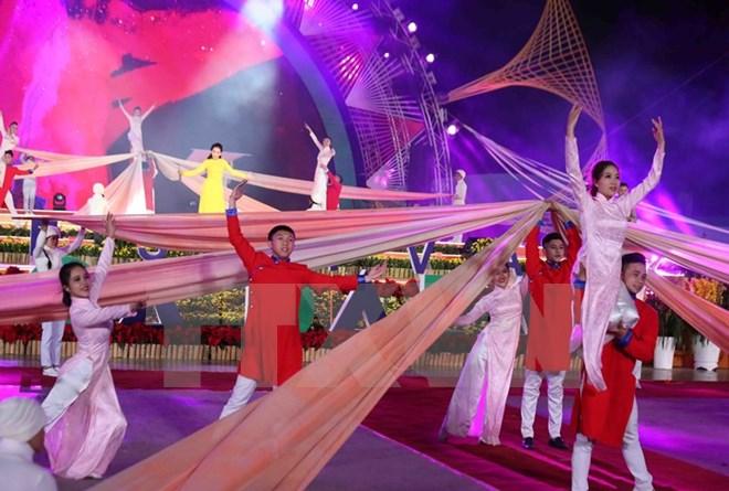 """Khai mạc Festival """"Hoa Đà Lạt - Kết tinh kỳ diệu từ đất lành"""""""