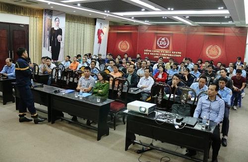 Tổng Công ty Đức Giang: Gắn sản xuất với an toàn lao động