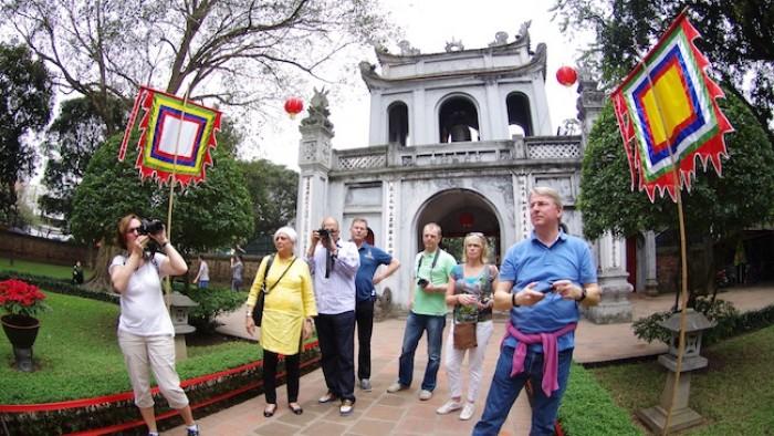 Khách du lịch đến Hà Nội tăng 17% trong dịp Tết Bính Thân