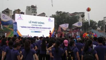 """Phát động chiến dịch 'Nâng cao hình ảnh du khách Việt"""""""