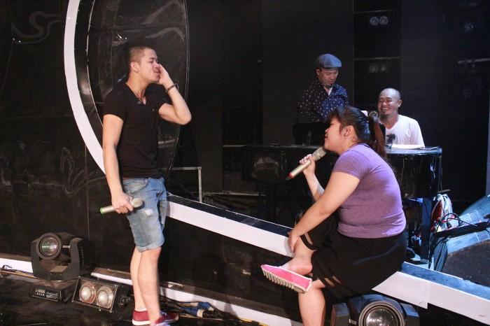 Ca khúc dành riêng cho quán quân Vietnam Idol 2015 sẽ do Thanh Bùi sáng tác