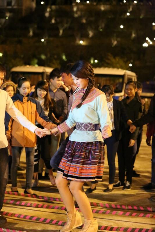 Hoa hậu Đỗ Mỹ Linh trải nghiệm tại Sapa