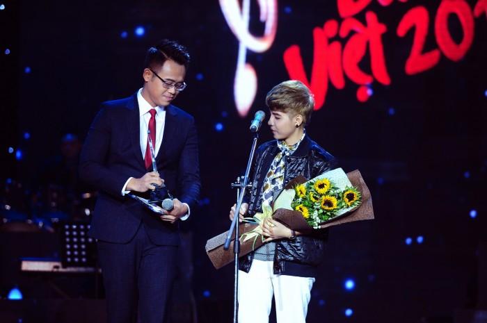 Bài hát Việt tiếp tục lập 'cú đúp' trao 2 giải Bài hát tháng