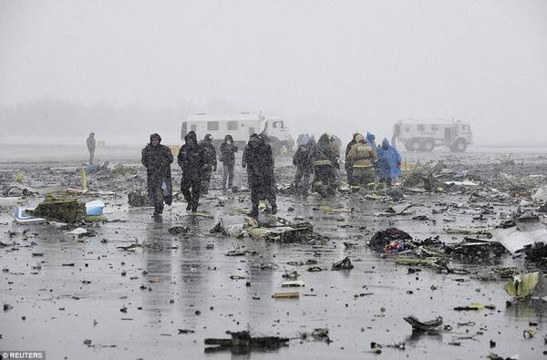 Chùm ảnh xé lòng về thảm kịch máy bay Dubai rơi tại Nga - Ảnh 13.