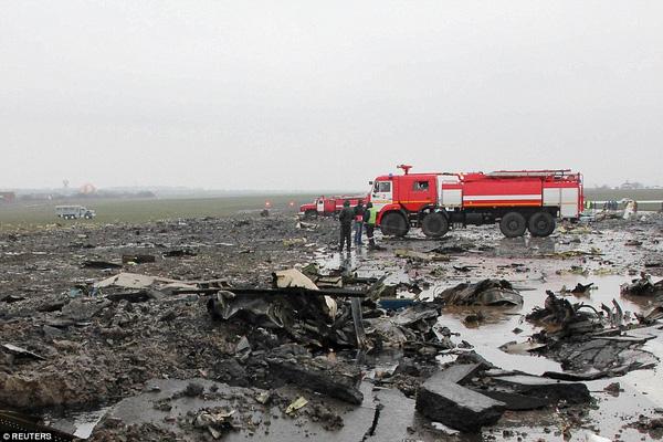Chùm ảnh xé lòng về thảm kịch máy bay Dubai rơi tại Nga - Ảnh 15.
