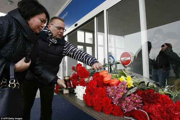 Chùm ảnh xé lòng về thảm kịch máy bay Dubai rơi tại Nga - Ảnh 17.