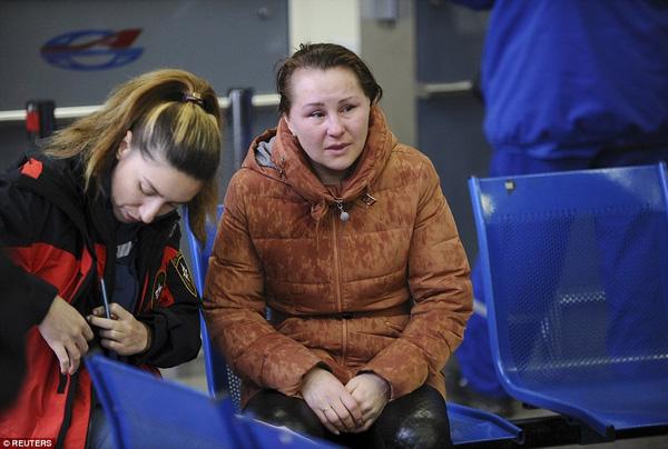 Chùm ảnh xé lòng về thảm kịch máy bay Dubai rơi tại Nga - Ảnh 7.