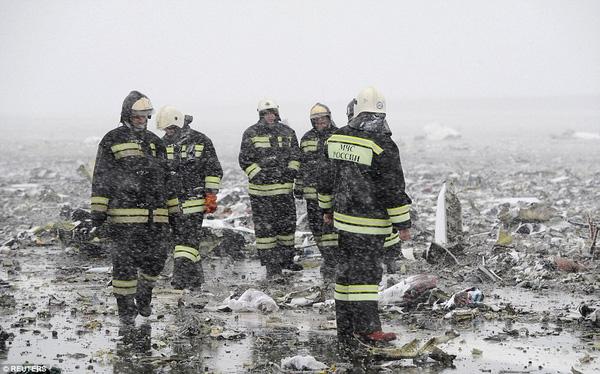 Chùm ảnh xé lòng về thảm kịch máy bay Dubai rơi tại Nga - Ảnh 11.