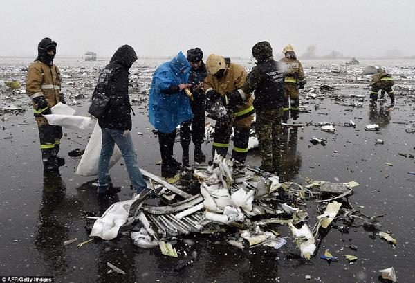 Chùm ảnh xé lòng về thảm kịch máy bay Dubai rơi tại Nga - Ảnh 12.