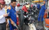 Tăng giá xăng, người tiêu dùng bức xúc