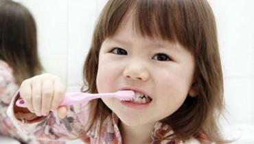 Mẹo hay để bé lớn lên có hàm răng trắng như ngọc