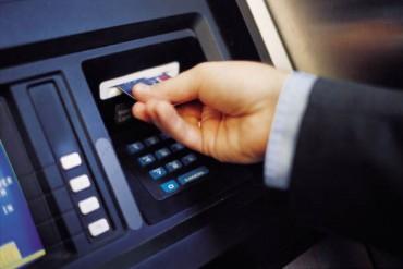 Không áp đặt hạn mức cho một lần rút tiền tại ATM thấp hơn 5 triệu đồng