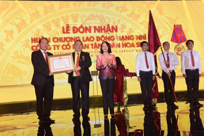 Tập đoàn Hoa Sen: Đón nhận Huân chương Lao động hạng Nhì