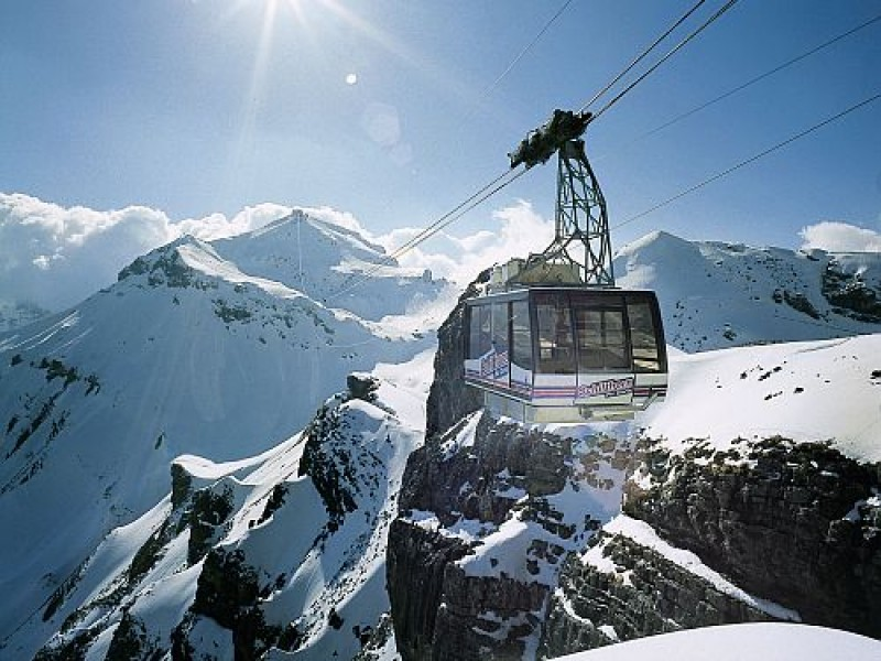 fansipan legend ky hop tac cung schilthorn cableway thuy sy